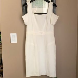 BCBGMAXAZRIA White Dress with Drop Sleeve Sz 6